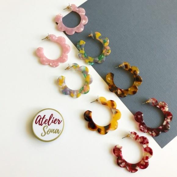 Atelier Sona Jewelry - Acrylic Flower Hoop Earrings